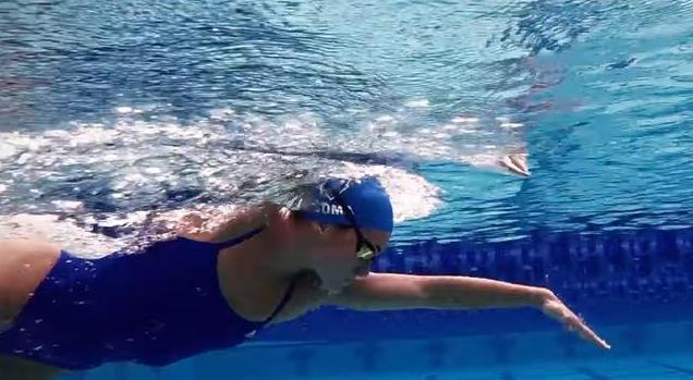 自由泳的划水动作图解,自由泳划水超慢动作