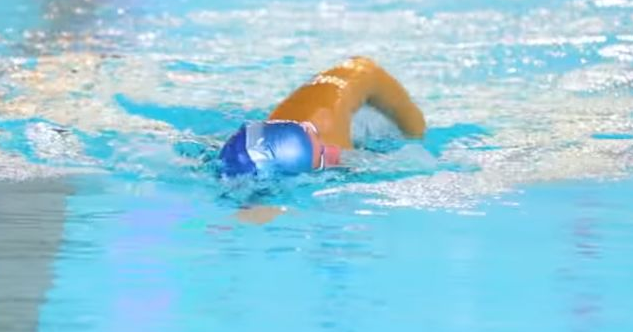 """20分钟快速入门自由泳的技巧和方法"""""""