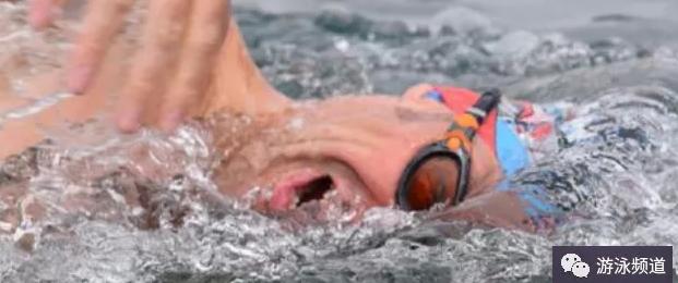 游泳换气效果提升方法