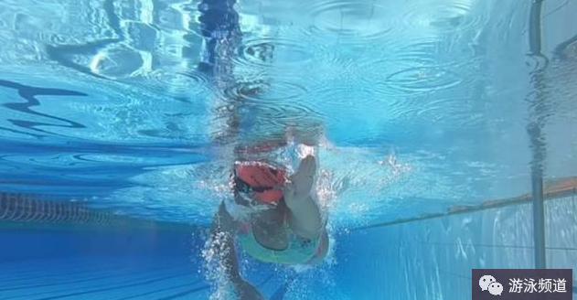 自由泳时,越游气越跟不上,这是什么原因?