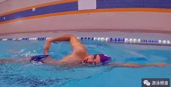 自由泳二次腿快速入门