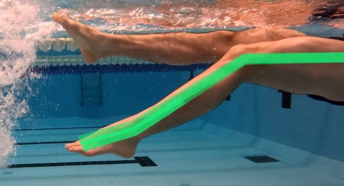 仰泳新手容易犯的错误动作