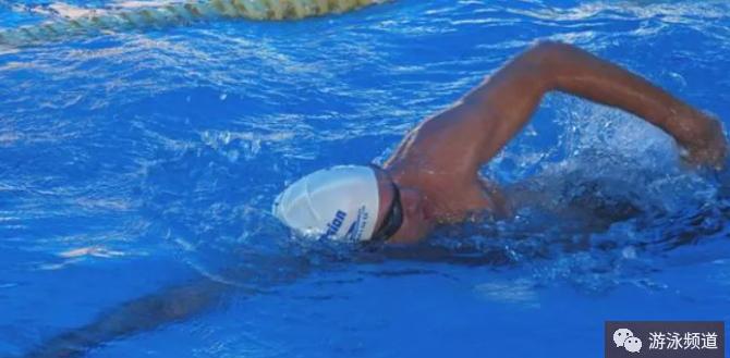 学习自由泳的难点,是打腿和换气吗?