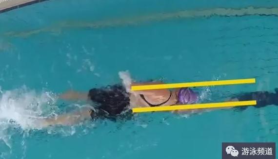 全浸式自由泳划水和二拍打水过程,提速动作