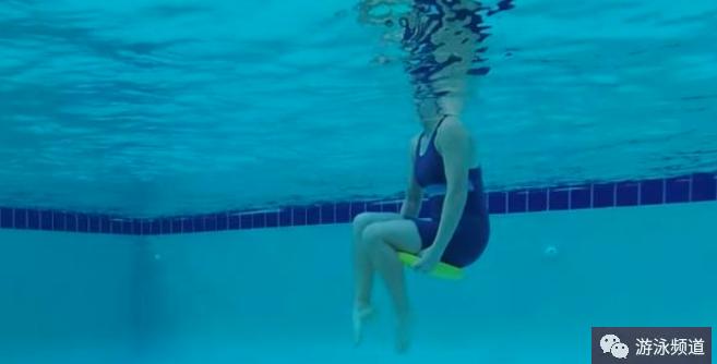 游泳漂浮板有什么作用?漂浮板怎么用?