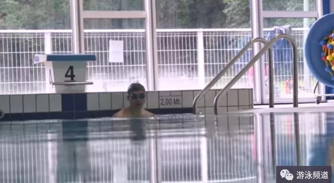 深水区游泳的好处,为什么很多人喜欢在深水区游泳?