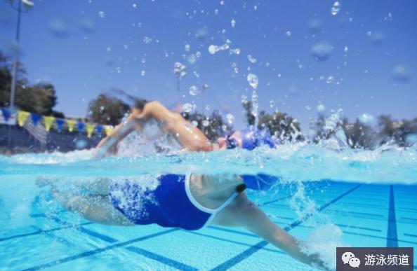 自由泳的打腿方式:2次、4次、6次