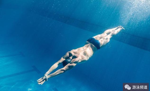 自由泳口诀技术细节解读