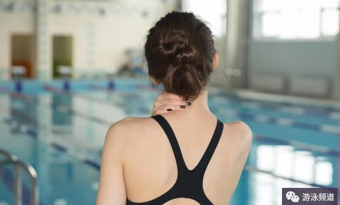 游泳遇到身体不舒服,要学会去应对
