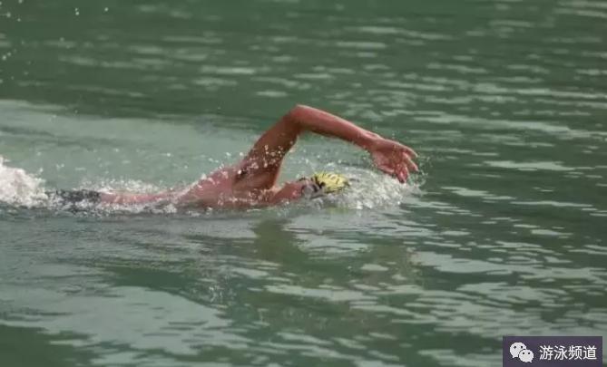 自由泳的完整配合练习