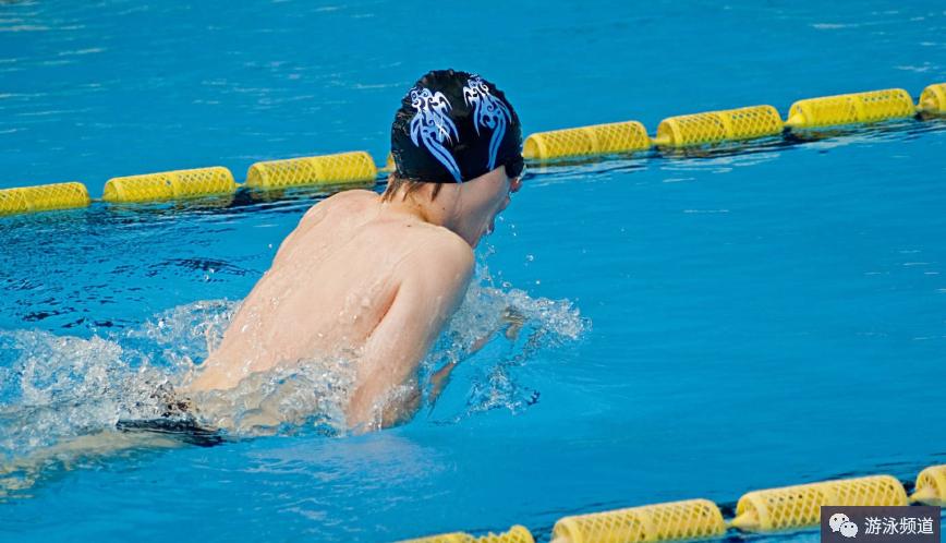 蛙泳手部技术动作,进一步提高