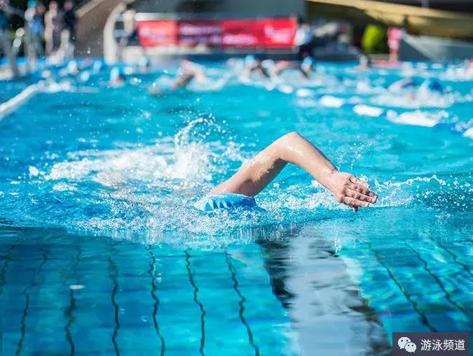介绍一个提升游泳速度的方法