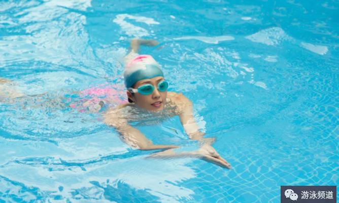 蛙泳动作要领,学习蛙泳的步骤
