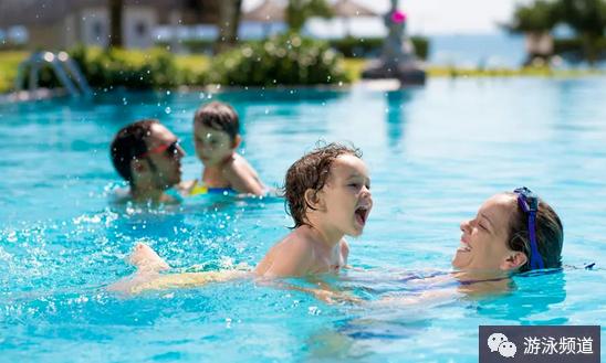 游泳运动的好处真多,能够伴随一生!
